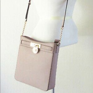 Michael Kors Hamilton Med Messenger Crossbody Bag